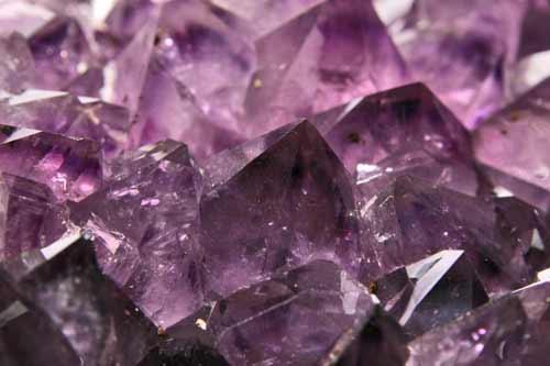 Nyugalmat hozó ametiszt – utazás a kristálymezőre